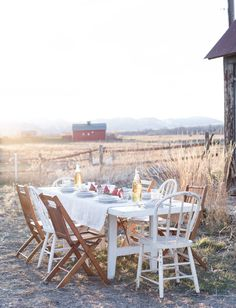 Vintage Whites Blog: The Thanksgiving Table and the Art of Gratitude