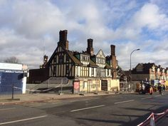 Catford Bridge Tavern after the fire South London, Old London, Local History, Brewery, San Francisco Skyline, Places To Visit, Street View, Drinking, Nostalgia