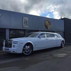 Old luxury cars rolls royce phantom 35 ideas Alte Luxusautos rollen Royce Phantom 35 Ideen Auto Rolls Royce, Rolls Royce Limousine, Rolls Royce Black, Cadillac Cts V, Classic Cars British, Old Classic Cars, Pontiac Grand Prix, Rolls Royce Phantom, Bugatti Veyron