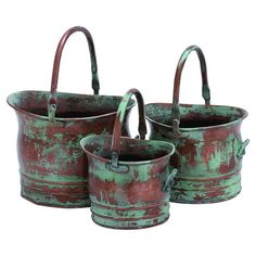 Benzara W x H Copper Metal Planter at Lowe's. This bucket style planter set can become the most appealing element of your garden, providing great efficient usage. These planters are made up of metal Metal Planters, Planter Pots, Rustic Planters, Indoor Planters, Plants Indoor, Contemporary Planters, Color Cobre, Style Rustique, Benz