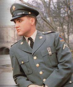 Elvis in Uniform