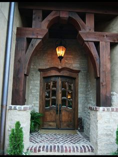 Arched portal, Rich wood tones in the entryway and doors make a spectacular presentation! Would love a house that matches these doors! Front Door Entrance, Door Entryway, Entry Doors, Front Entry, Doorway, Cool Doors, Unique Doors, Portal, Door Design