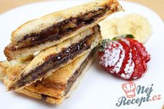 Recept Nutelové toasty s banánovým překvapením uvnitř Nutella, French Toast, Sandwiches, Brunch, Food And Drink, Treats, Snacks, Breakfast, Ethnic Recipes
