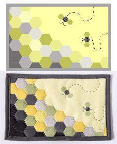 hexie bee mug rug