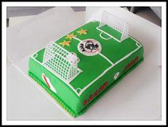 Birthday cake made by @anoeschkabihari  #ajax #birthday #cake #delicious #sweets