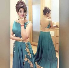Ideas For Indian Bridal Hairstyles For Long Hair Wedding Shorts Indian Bridal Lehenga, Red Lehenga, Lehenga Choli, Anarkali, Long Hair Wedding Styles, Wedding Hairstyles For Long Hair, Romantic Hairstyles, Lehenga Designs, Indian Dresses
