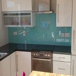Coloured glass splashback Coloured Glass, Splashback, Interior Styling, Kitchen Ideas, Kitchen Cabinets, Color, Home Decor, Style, Interior Decorating