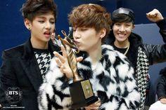 Suga | Min Yoongi | BTS | Bangtan | Trophy lover