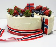 My flag cake for mai in Norway ✌ Cookie Cake Pie, Cake Cookies, Norway National Day, Norwegian Flag, Norwegian Style, Flag Cake, Scandinavian Food, Something Sweet, Cake Recipes