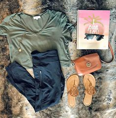 Whiskey and Sweet Southern Charm Total Sorority Move, Kappa Alpha Theta, Southern Charm, Dress To Impress, Whiskey, Blogging, Fall Winter, Charmed, Sweet