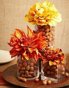 Acorn Centerpieces and Eco Accents, Fall Crafts and Thanksgiving Decorating Ideas - - Acorn decorations, artworks, and crafts are a fabulous way to enjoy the fall season. Diy Thanksgiving Centerpieces, Fall Table Centerpieces, Thanksgiving Diy, Centerpiece Ideas, Thanksgiving Center Pieces Diy, Fall Center Pieces, Acorn Decorations, Fall Table Decorations, September Decorations