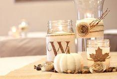 Herbstdeko zum Basteln-Vasen mit Leinenstoff und Laub-schmücken-Papierrosette