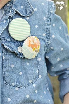 DIY fabric covered button pins --- a great way to use up leftover material scraps!