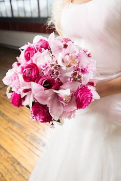 If you're obsessed with pink but can't settle on one shade, then mix it up. #flowers #bouquet #wedding
