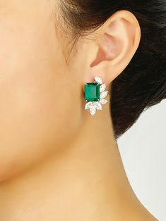Diamond hoop earrings are completely popular these days, thanks to young pop queens like Jennifer Lopez or J-Lo, hiphop queen extraordinaire. Diamond Earrings Indian, Diamond Earing, Emerald Earrings, Emerald Jewelry, Silver Jewelry, Silver Rings, Indian Jewelry, Diamond Solitaire Earrings, Fine Jewelry