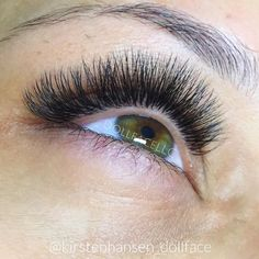 I invite you in for a closer look - not many stylists would show their work this close. Seamless, Clean and Precise  Russian 3D Volume using @sugarlashpro .07 8-12mm C Curl @lashaffairbyjp #lashartistofthemonth #kirstenhansenlashartist #dollfacelashesandbeauty #lash #lashes #eyelashes #eyelashextensions #extensions #lashextentions #russianvolume #3d #houstonlashes #houstonliving #houston #houstontx #stylist #featured #photo #photofy #nomakeup #nofilter #fitness #fitnessmodel #fit #fashion...