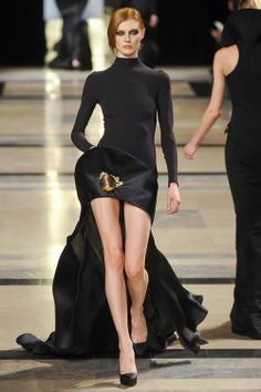 Olga Sherer at Stéphane Rolland Haute Couture S/S 2011.