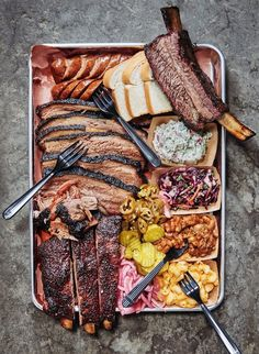 Gospel of Texas Barbecue, The Gospel of Texas Barbecue, The Gospel of Texas Barbecue, Creamy Avocado Dip that comes together with less than five ingredients in two minutes flat! This is the BEST easy, healthy snack. Also a great spread for tacos. Herbalife Shake Recipes, Party Food Platters, Food Goals, Aesthetic Food, Food Cravings, Love Food, Food Porn, Food And Drink, Cooking Recipes