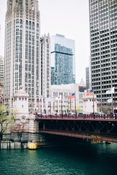 Michigan Avenue bridge over Chicago river. This is where the retail mecca 'Magnificent Mile' begins.