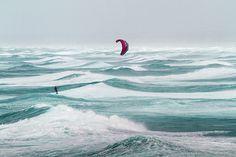 """Sea of dreams! Kitesurfing at """"La pointe de la Torche"""" in Brittany, France. Photo: Christian WILT"""