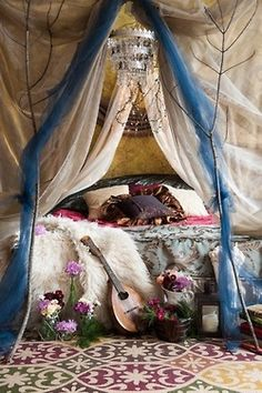 Bohemian - I absolutely LOVE this style... kinda gypsy looking. May have to take the plunge & do this to my bedroom one day!