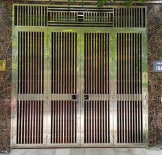 Xem 40 mẫu lan can ban công inox mặt tiền đẹp, sang trọng, hiện đại Window Grill Design Modern, Balcony Grill Design, Grill Door Design, Balcony Railing Design, Steel Gate Design, Front Gate Design, Door Gate Design, Balustrades, Glass Barn Doors