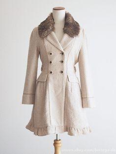 axes femme Fur Bowknot Tweed Coat Classic Lolita Regency Mori Girl style Japan #axesfemme #Peacoat #Harajukufashion Mori Girl Fashion, Liz Lisa, Tweed Coat, Old Clothes, Harajuku Fashion, Girl Style, Regency, Fur, Japan