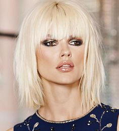 Blonde hair with fringe Medium Length Hair With Bangs, Mid Length Hair, Medium Hair Cuts, Short Hair Cuts, Medium Hair Styles, Short Hair Styles, Blonde Hair With Fringe, Short Platinum Blonde Hair, Pink Blonde Hair