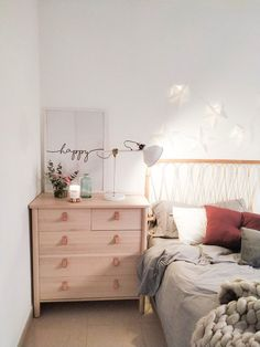 Home Sweet Home: These Are the Biggest Home Décor Trends of 2019 . Dream Bedroom, Girls Bedroom, Bedroom Decor, Bedrooms, Cute Room Ideas, Bedding Inspiration, Ikea Bed, Boho Room, Dark Interiors