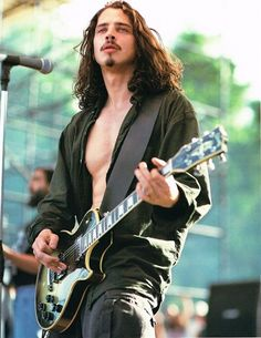 Chris Cornell - so fine!! Can't wait to see him tomorrow on jimmy Fallon singing pearl jam!