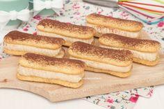 Questi Dolcetti Tiramisù sono proprio favolosi, si preparano con soli 4 ingredienti in neanche 5 minuti di tempo, si sciolgono in bocca, sono troppo golosi!