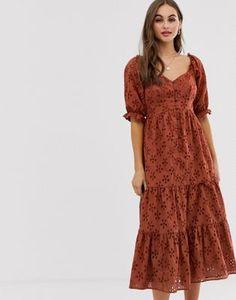 Buy ASOS DESIGN button through tiered midi broderie dress at ASOS. Get the latest trends with ASOS now. Modest Dresses, Casual Dresses, Summer Dresses, Maxi Wrap Dress, Dress Skirt, Fancy Dress Design, Look Boho, Mi Long, Latest Dress