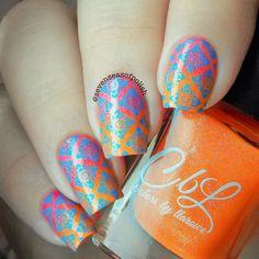 @colorsbyllarowe Hello Starfish + Sweet Nectar @moyou_london Cool Pool stamping polish @moyou_london Asia 07 plate
