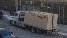 Quand Amazon livre une Nissan Note dans un carton géant.