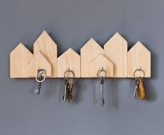 Nyckelhängare i stadssiluett - Slöjd-Detaljer Design Projects, Wood Projects, Wooden Name Plates, Shelf Holders, Door Design Interior, Passion Project, Wooden Diy, Diy For Kids, Woodworking Plans