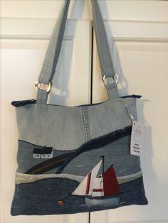 Patched Jeans, Jeans Denim, Fabric Artwork, Diy Bags Purses, Denim Purse, Felt Purse, Patchwork Jeans, Yarn Thread, Handmade Purses