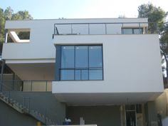 #Edificios #Moderno #Exterior #Escalera #Fachada #Vidrio #Barandillas #Ventanas