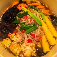 Shabu shabu Shabu Shabu, Vegan Kitchen, Japchae, Free Food, Online Marketing, Ethnic Recipes, Internet Marketing