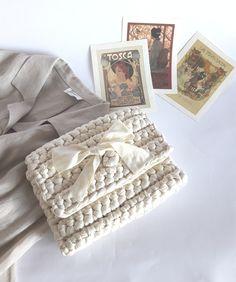 A lovely handbag crocheted in lycra for your summer!
