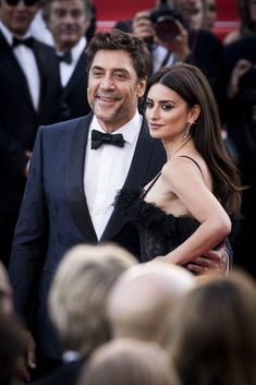 Javier Bardem And Penelope Cruz - Celebrity Couples Who Are Rarely Seen Together - Photos Kate Grace, Grace Kelly, Penelope Cruz, Celebrity Couples, Celebrity News, Hollywood Couples, Celebs Without Makeup, Celebrity Style Inspiration, Celeb Style