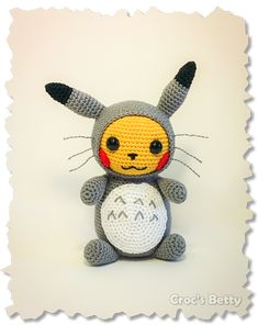 Pikachu Totoro Inspired - free crochet pattern by Croc's Betty. French version here: http://fr.crocsbetty.com/fun.html