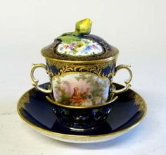Meissen porcelain covered chocolate cup and saucer late 1th century