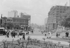 1952 - Avenida Rangel Pestana - À direita, em construção, o atual edifício da Secretaria da Fazenda.
