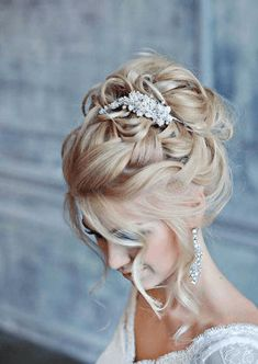 wedding updo hairstyle Image source Another updo with the twists I love Image source 21 Stunning Summer Wedding Hairstyles See more: wwwweddingforwar… Image source - Hair Style Image Wedding Hair Up, Wedding Updo, Wedding Summer, Wedding Makeup, Headband Hairstyles, Up Hairstyles, Bridal Hairstyles, Headband Updo, Bridesmaid Hairstyles