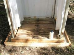 Une douche extérieure avec des palettes, étape par étape3