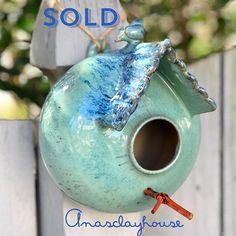 Going to a new home hopefully a lucky bird will make a nest! #pottery #wheelthrown #handmadepottery #pottersofinstagram #potterylove #ceramics #ceramica #faunaflora #porcelain #keramika #potterie #keramik #ceramicstudio #ceramicart #ceramicartist #artdesign #tropical #ceramicabrasileira #thrownandaltered #handcarved #designermaker #myclayking #instapottery #ceramicaartistica #potterylover #birdhouse #birdlovers