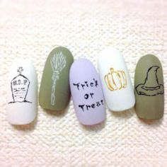 "Not too flashy point! Can enjoy in adult women ""Halloween Nail"" 