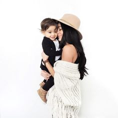 """Scrunched up faces of love for me & happiness in Boyfriend since my heart melted that he """"KISSED"""" me 😩 he smacks those delicious lips and… Mommy And Son, Mom Daughter, Mom And Baby, Mother Baby Photography, Family Photography, Woman Photography, Mommy And Me Photo Shoot, Foto Baby, Photo Instagram"""