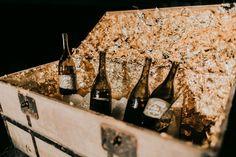 Weinhof Buschenschank Winzerzimmer Josef Scharl in St. Anna am Aigen Sauvignon Blanc, Wine Rack, Anna, Home Decor, Man On The Moon, Flasks, Decoration Home, Room Decor, Wine Racks