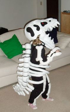 T-rex SKELETON costume Teen Boy Costumes, Diy Halloween Costumes For Kids, Costumes For Teens, Diy Costumes, Costume Ideas, Halloween Makeup, Halloween 2020, Evie Halloween, Space Costumes